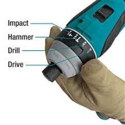 Atornillador de Impacto 4 modalidades 0-3,200 rpm (max. Torque 150 N.m) 1,6 kg.   BL Motor
